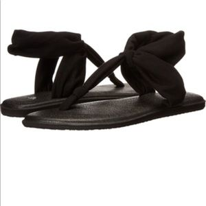 Sanuk Black Yoga Sling sandals W8